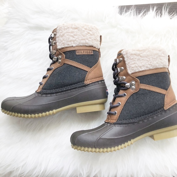 5473a4d84bcc47 Tommy Hilfiger Rian Lace-Up Winter Boots Size 9